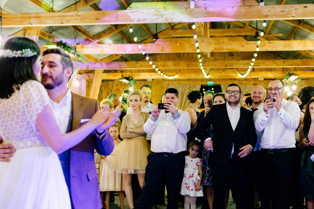 Fotografie de nunta Bucuresti fotograf Dana Sacalov la The Greenspot Wedding Barn