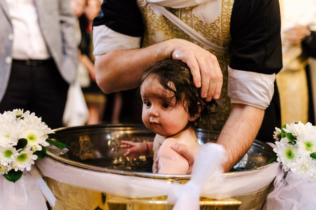 Fotografie de botez fotograf Dana Sacalov Bucuresti