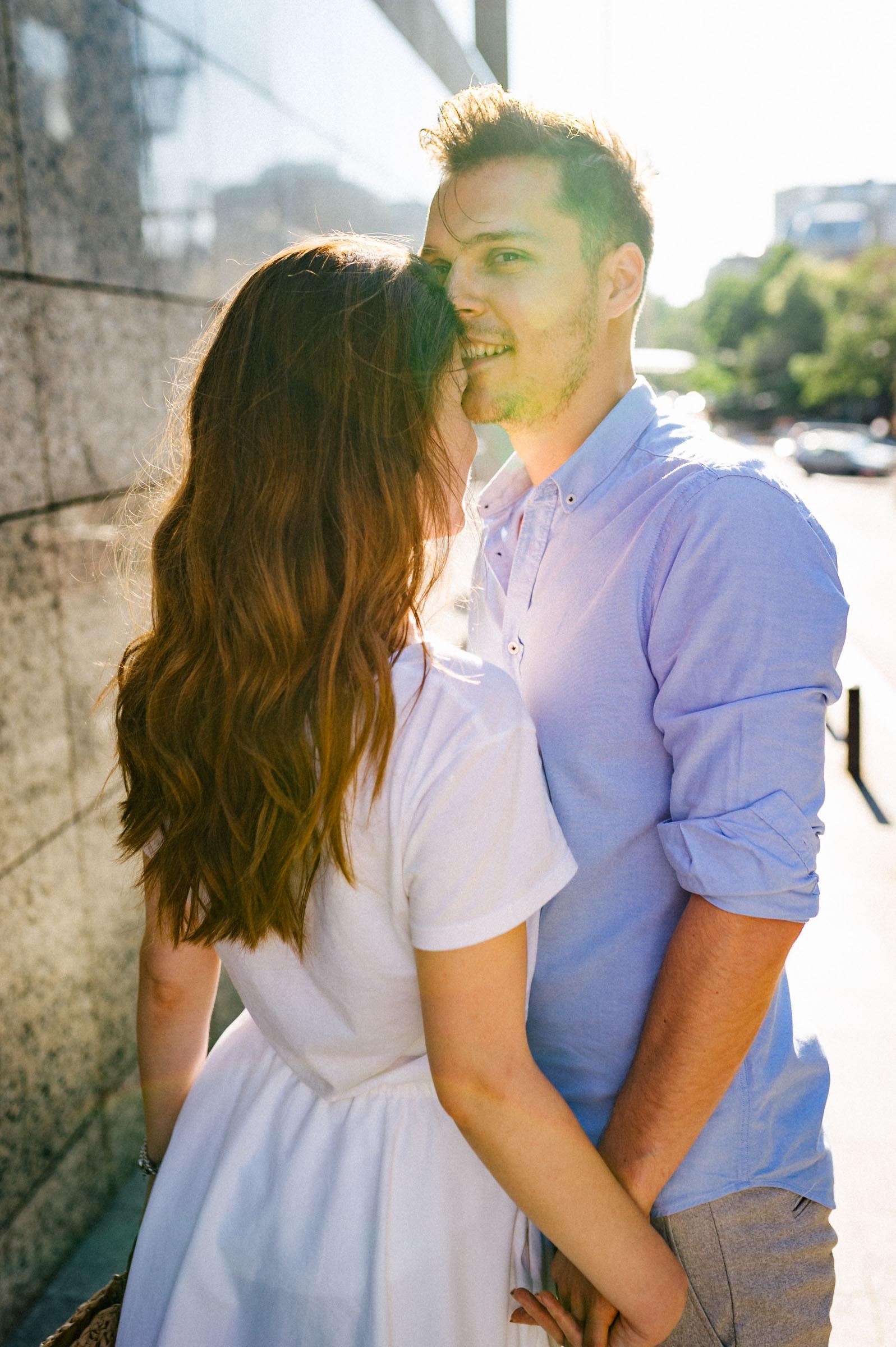 Sedinta foto de cuplu pe Calea Victoriei